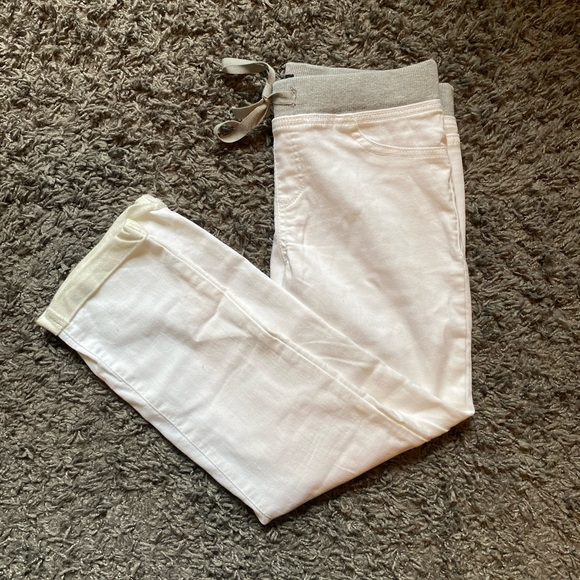 Stretchy White Ankle Pants